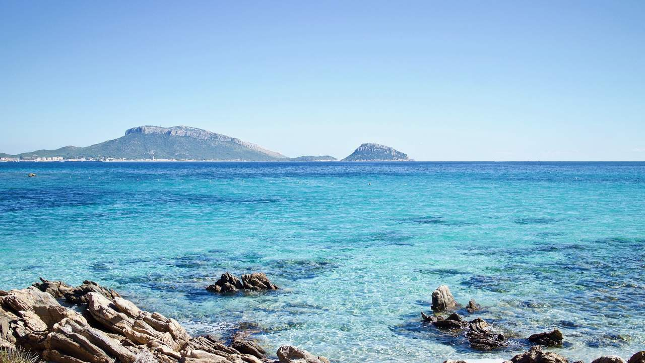 Title: Sardinia: Gastronomic luxury tour  VIP